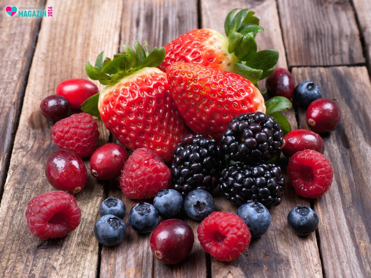 Lesní plody a bobuloviny dokážou stimulovat přirozenou tvorbu kolagenu v našem těle.