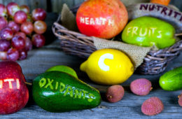 Antioxidanty jsou prospěšné látky schopné v našem organismu kompenzovat škodlivé účinky probíhajících oxidačních procesů. Pořád nerozumíte? Čtěte dál!