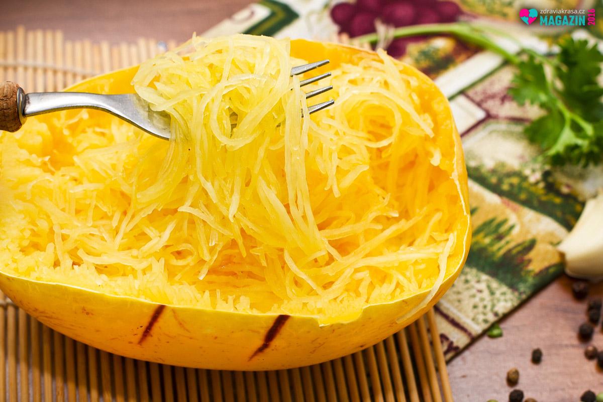 Špagetová dýně je základ pro zdravé zeleninové špagety.