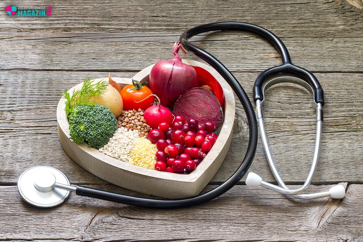 Změna jídelníčku je obvykle první pomocí při problematickém cholesterolu. Zařaďte zdravé potraviny do svého jídelníčku raději už preventivně.