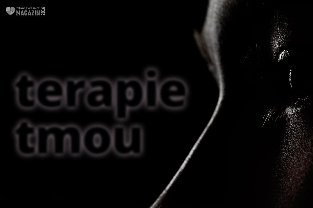 Terapie tmou je speciální metodou utlumení smyslových prožitků člověka. Nejčastěji jde o zrak nebo sluch. Více se o ní dozvíte na přednášce.