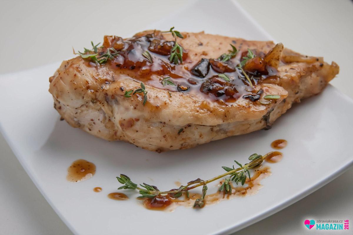 Maso, a to i to tučné, si lze dát v rámci nízkosacharidové diety kdykoliv. Ideálně však zcela bez příloh, maximálně se zeleninou.