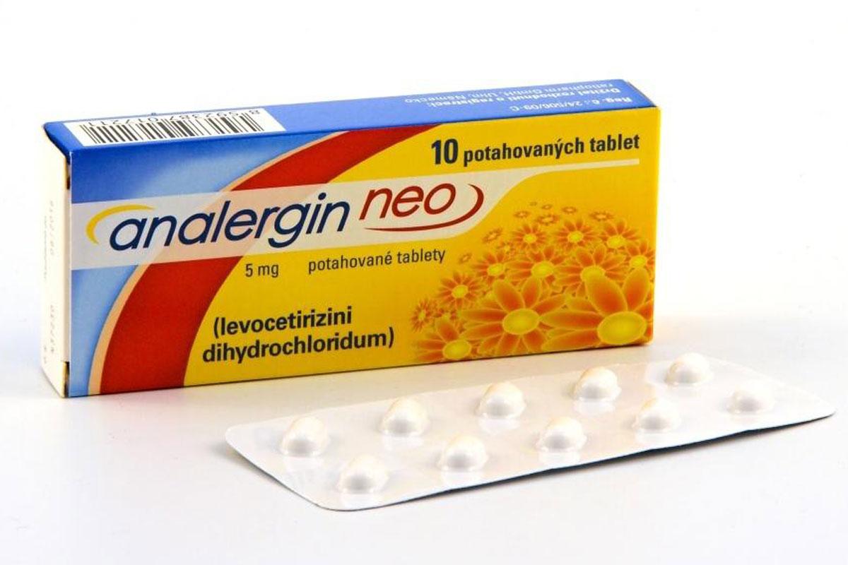 Analergin Neo je přípravek proti alergiím. Používá se ke zmírnění nosních a očních příznaků sezónní a celoroční alergické rýmy a ke zmírnění příznaků chronické kopřivky nejasného původu.