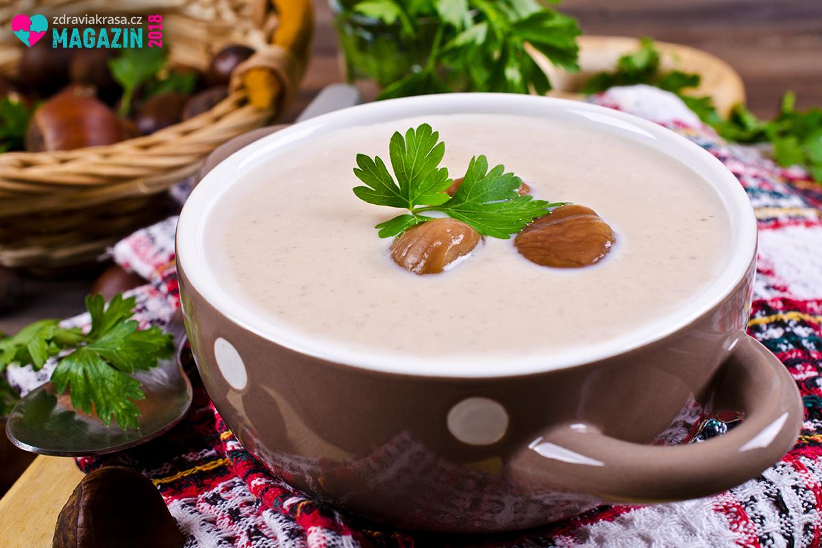 Oblíbeným slaným jídlem z jedlých kaštanů je krémová kaštanová polévka.
