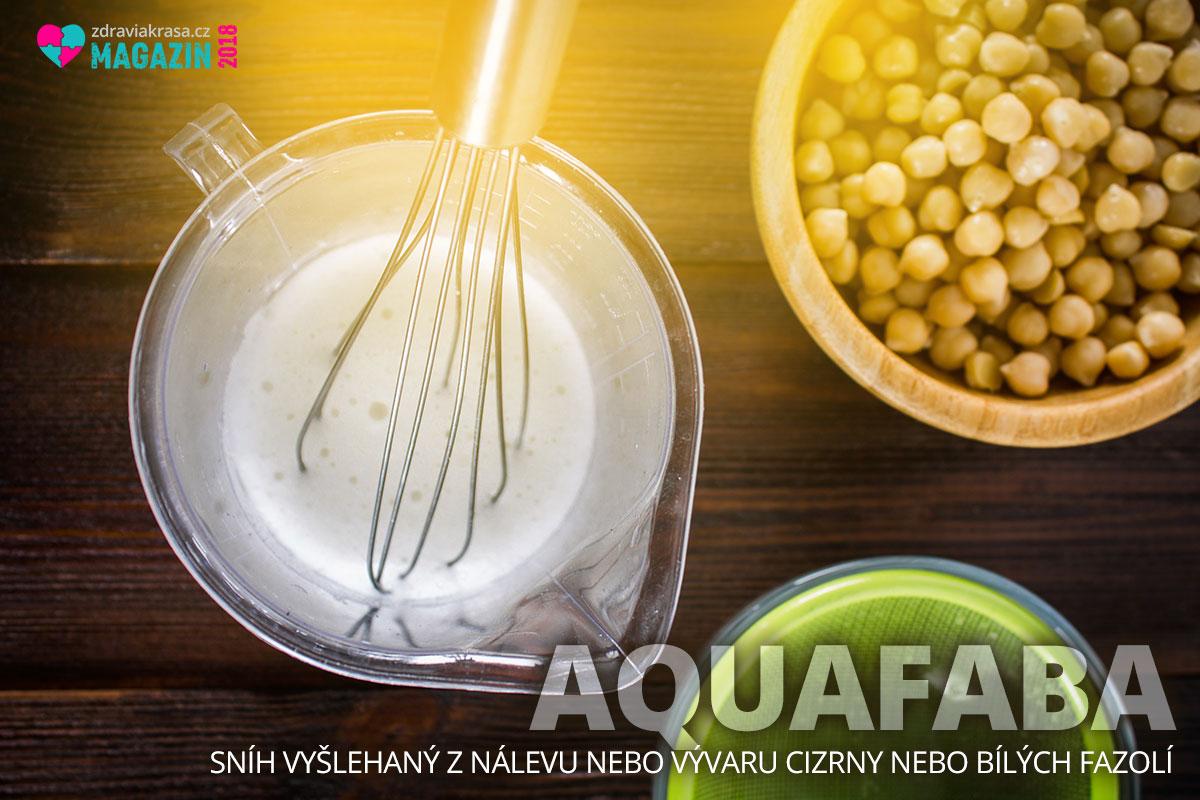 I když aquafabu nevyšleháte tak do tuha jako skutečné bílky, při vaření a pečení to zas tolik nevadí.
