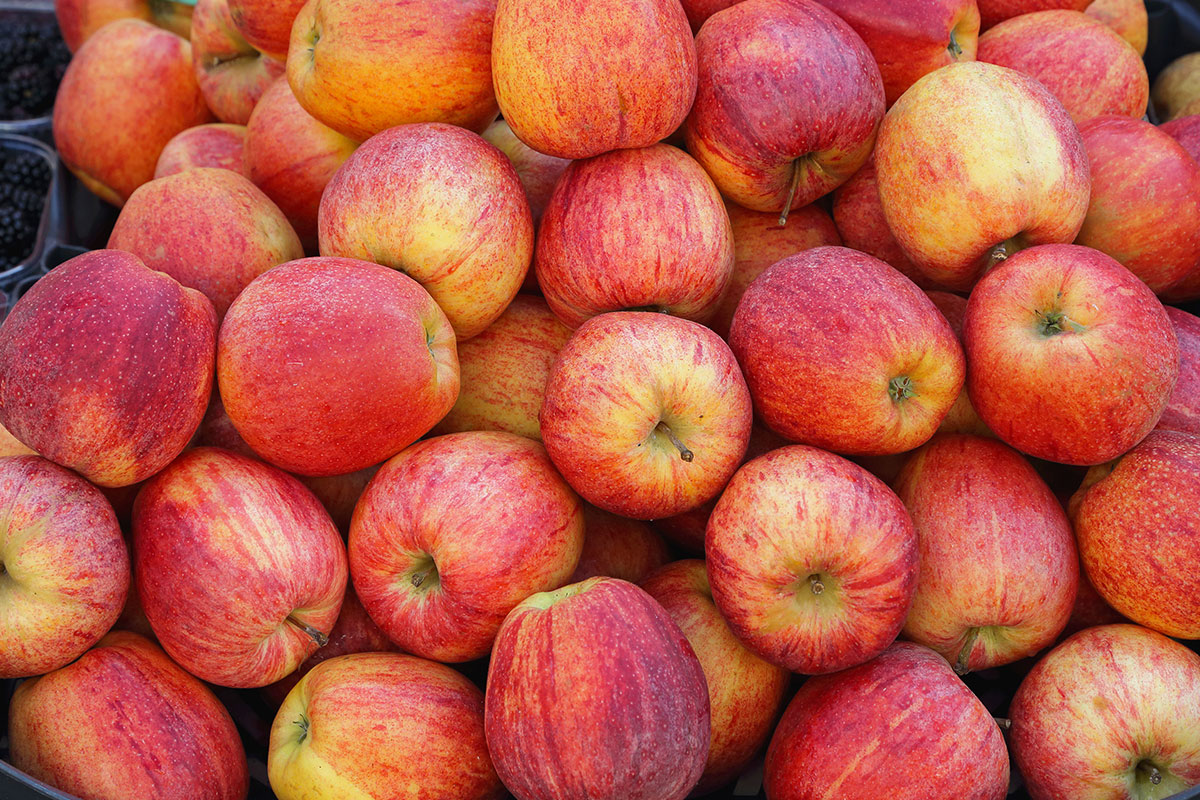 SZPI objevila další polská jablka s pesticidy