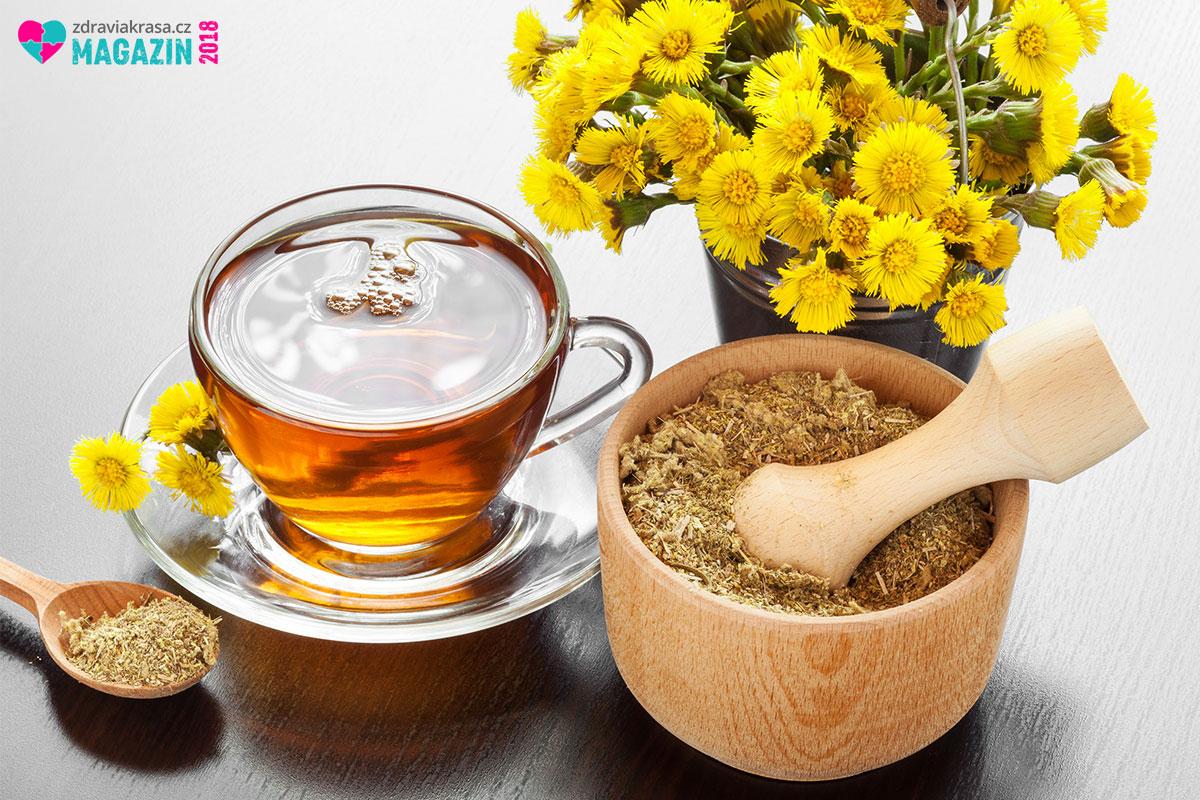 Dejte si na zdraví doušek čaje z podbělu. Chutná s medem - včelím, ale i z medem z podbělu.