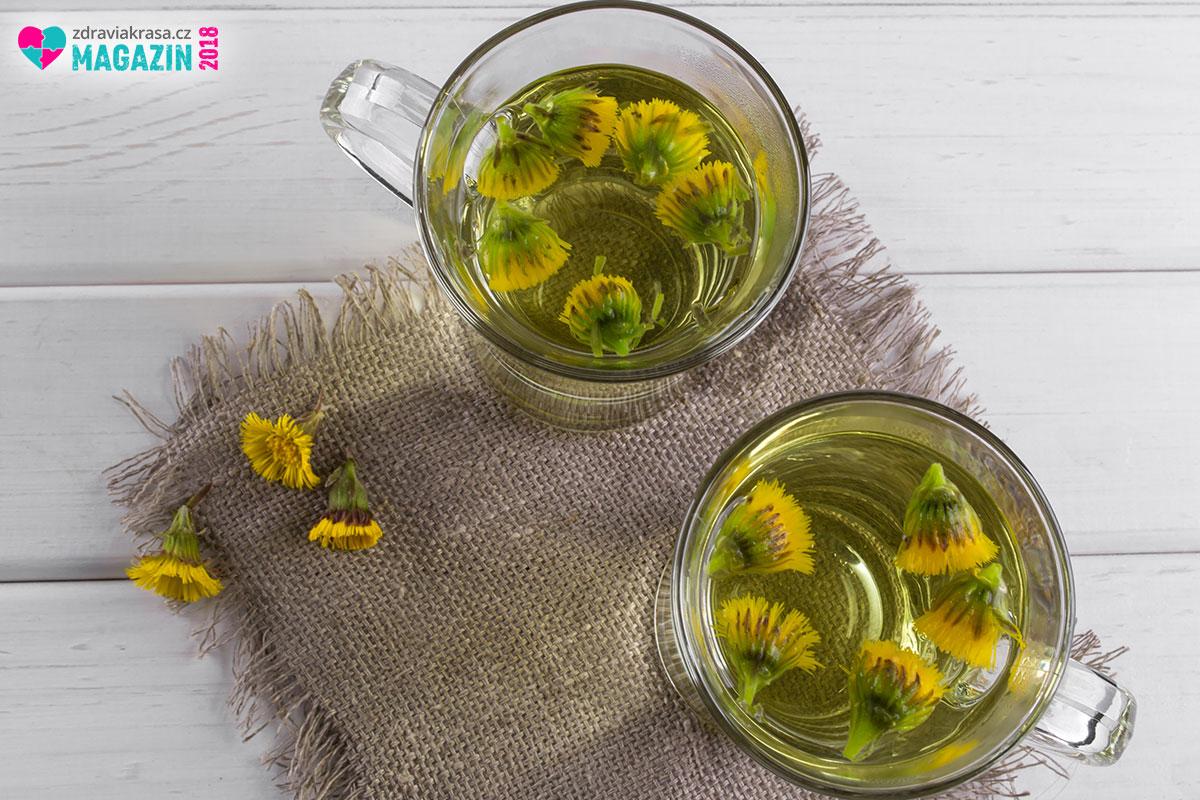Dejte si doušek čaje z podbělu na zdraví.