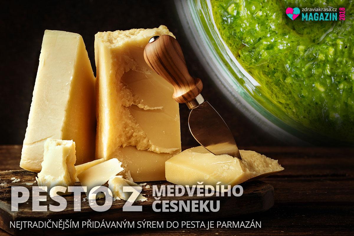 Nejtradičnějším sýrem přidávaným do pesta z medvědího česneku je parmazán.