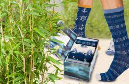 Už máte svoje bambusové ponožky? Jsou antibakteriální, mají skvělé termoregulační vlastnosti a koupíte je i v módních pestrých setech.
