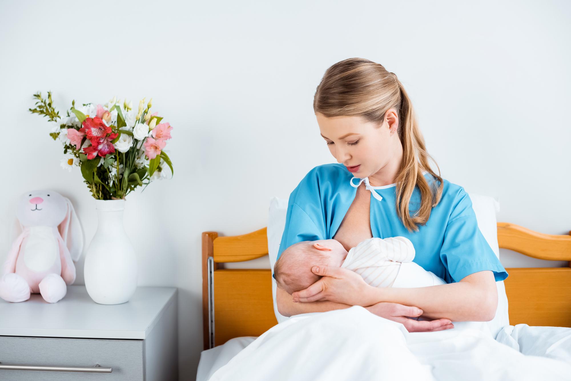 I maminky v porodnici ocení, když na ně myslíte a zašlete jim květinu. Krásné kytice doručí Fleurop.