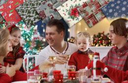 Připravujte letošní Vánoce spolu s dětmi. Třeba tvorbou vlastních dekorací. Příliš věcí ktomu nepotřebujete. Pouze hezké vánoční látky a nápady na tvoření.